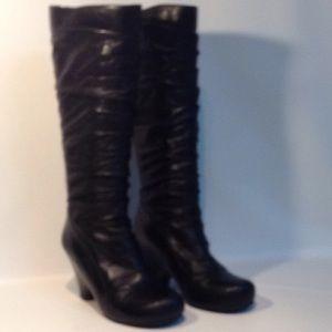 Mia Mooz boots